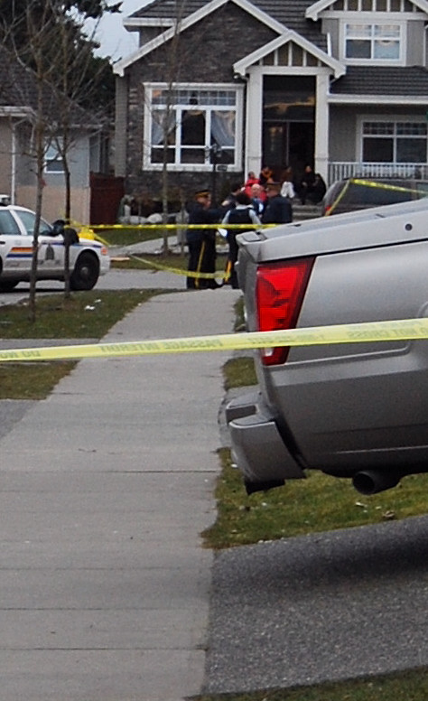 The investigation continues on the scene in Surrey