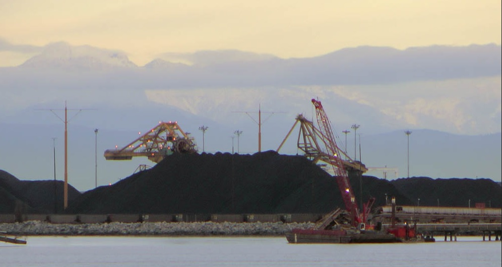 credit:https://metrovanwatch.wordpress.com/2013/12/13/input-coal-facility-surrey-docks/